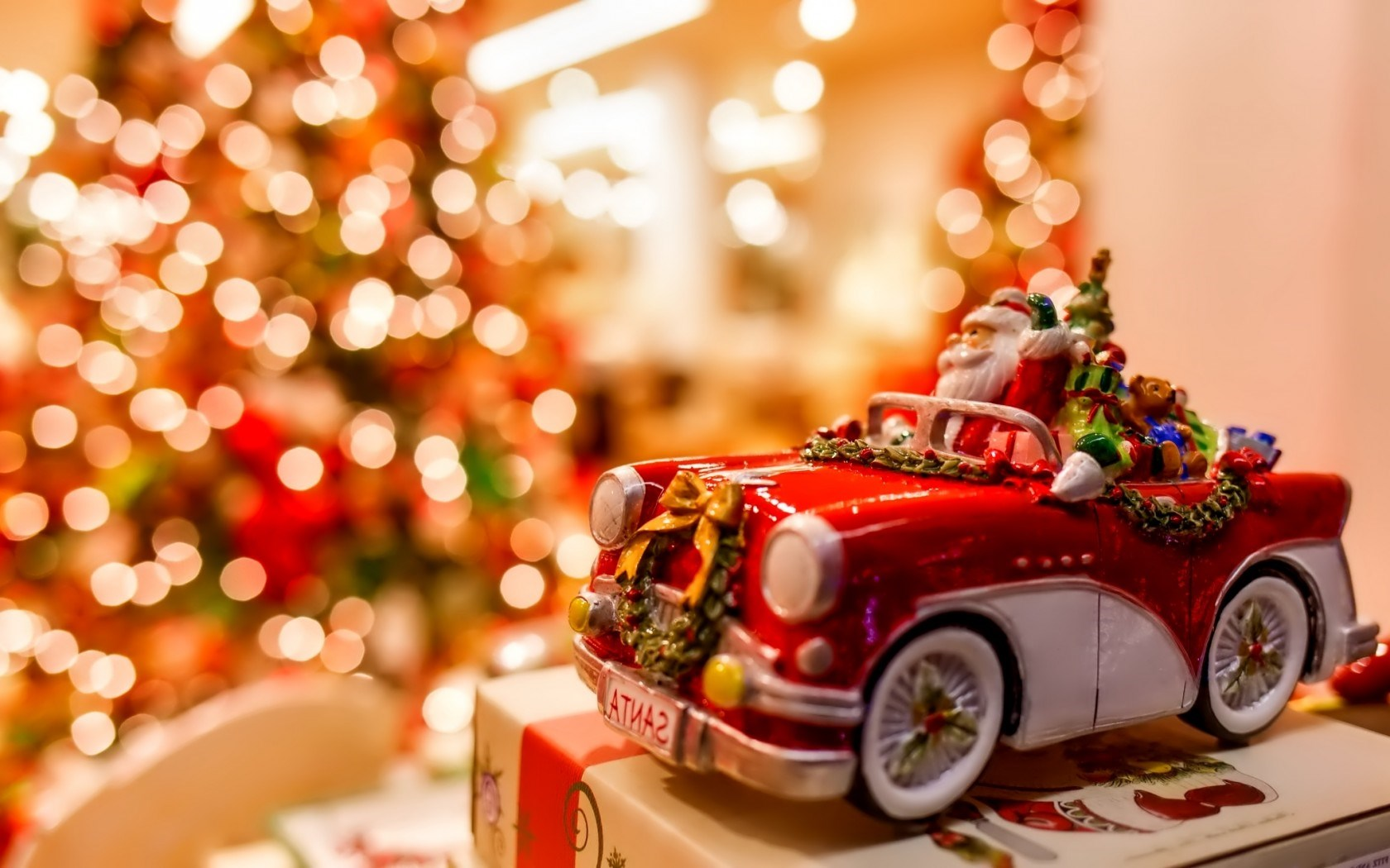 christmas-tree-lights-santa-claus-car-toy-new-year-1